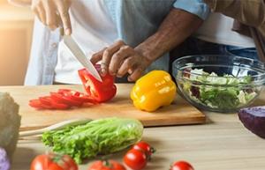 Faut-il adapter son alimentation après 50 ans ?