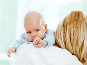 Reflux et régurgitations chez bébé