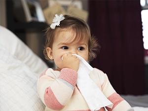 Traitements homéopathiques pour le rhume de bébé