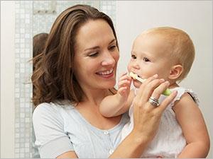 Bien prendre soin des dents de bébé
