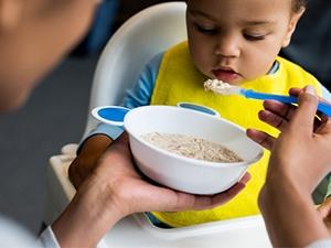 Initier bébé aux différents goûts des aliments