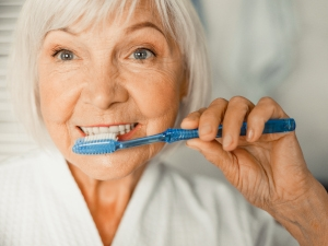 L'hygiène bucco-dentaire chez les personnes âgées