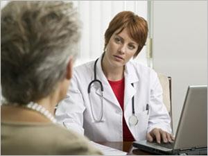 Aborder les problèmes d'incontinence urinaire avec un médecin