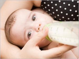Les laits végétaux ne couvrent pas tous les besoins nutritionnels de bébé