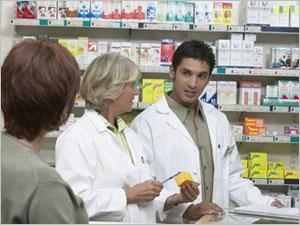Importance de la pharmacovigilance avec votre pharmacien