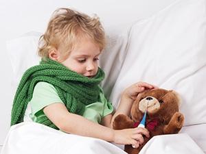 Bébé a un rhume, comment déboucher son nez ?