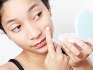 Les traitements homéopathiques contre l'acné