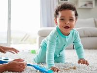Les étapes de la première année de bébé