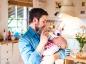 Nourrir un bébé au biberon
