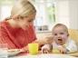 Bébé s'initie aux autres aliments avec la diversification alimentaire