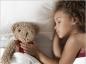 La bonne attitude face aux pipis aux lit