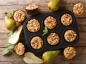 Muffins aux lentilles corail, poires et noix